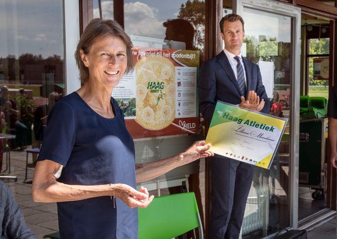 Liliane Mandema is onderscheiden met de Sportpenning van Den Haag en het erelidmaatschap van haar club, Haag Atletiek.