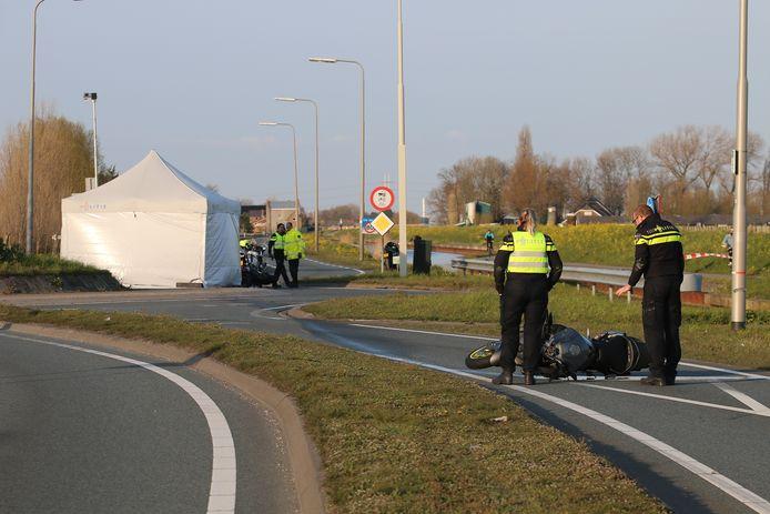Een van de ongelukken gebeurde op de kruising van de Zwethlaan met de N222 in Honselersdijk.