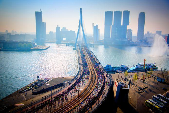Begin je nu met trainen, dan kun je over een paar jaar ook over die prachtige Erasmusbrug rennen tijdens de NN Marathon Rotterdam.