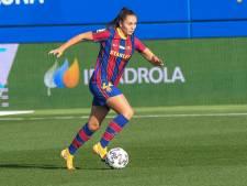 Fans zien Lieke Martens met Barcelona in Estadi Johan Cruyff doordenderen