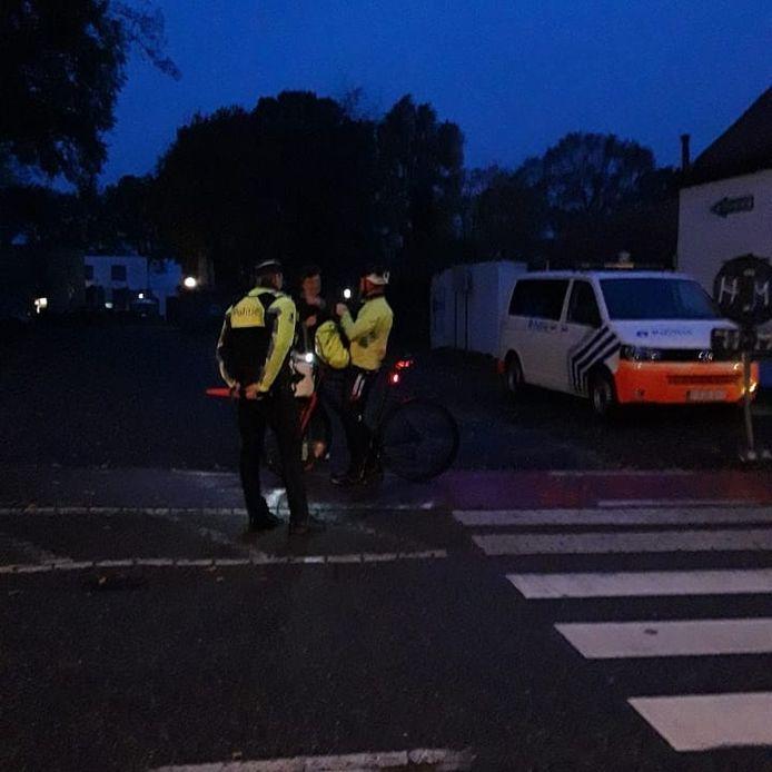 De gemeente en politie gaan samen onverwachte controles uitvoeren op zichtbaarheid in het verkeer.