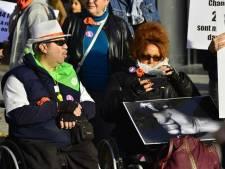 """Un bus du TEC Charleroi refuse des personnes en fauteuil roulant: """"Puisque c'est comme ça, je pars"""""""