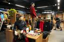 Deze Bever-winkel in Middelburg verkoopt ook veel kleding van The North Face.