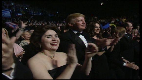 Donald Trump was destijds organisator van Miss Universe.