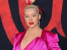 Dwayne Johnson heeft benen als boomstronken en Christina Aguilera draagt alleen handdoekje