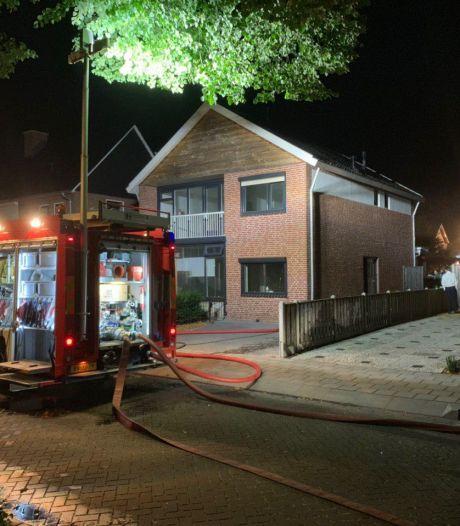 Man (26) stak ouderlijk huis in brand om 'nare herinneringen' te wissen: werkstraf en alcoholverbod