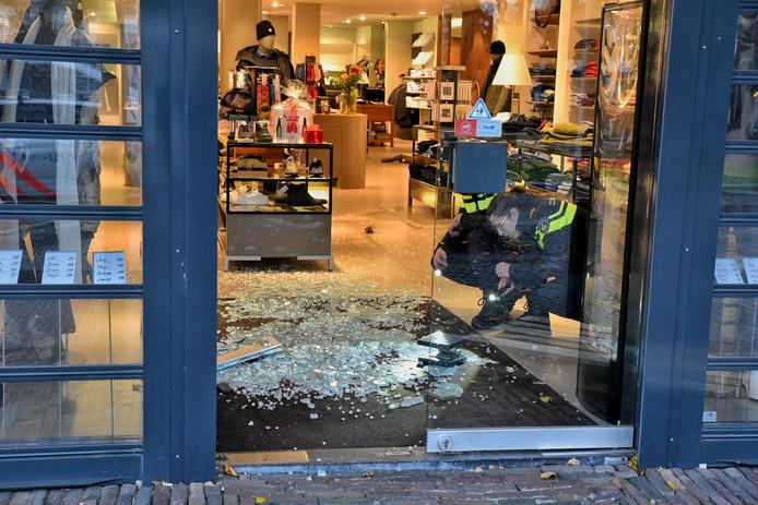 De winkel Zoetelief Mode na de inbraak in Oisterwijk.