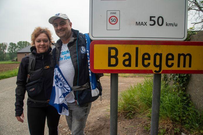 AA Gent-fans Jo en Nele op bedevaart van Balegem naar het Koning Boudewijnstadion voor de finale van de Beker van België.