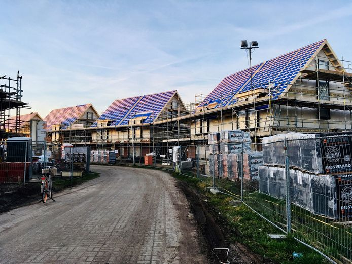 Als fases 2 en 3 van De Berghorst zijn volgebouwd, komt volgens wethouder Johan Coes mogelijk het perceel aan de Bornerbroekseweg in Enter in beeld voor nieuwbouw.