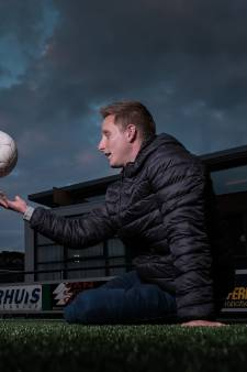 VVG'25-trainer Lars Krabbenborg voltooit marathon in Amsterdam