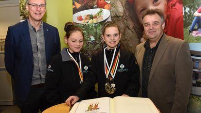 Zussen Luna en Laura Van Laer samen Belgisch kampioen