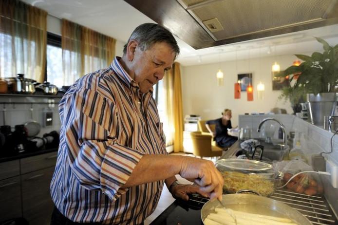 Vrijwilligers in een hospice.foto Robert van den Berge/het fotoburo