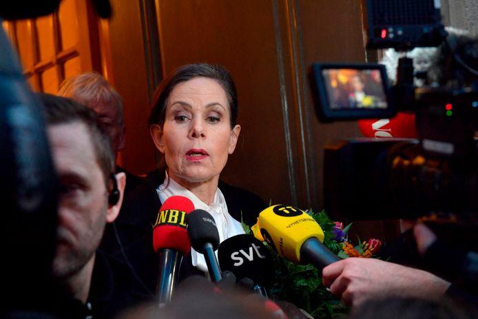 Voorzitter Sara Danius staat de media te woord nadat ze op 12 april besliste om met onmiddellijke ingang af te treden.