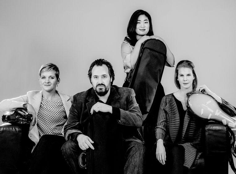 Het vernieuwde Artemis Quartett, met rechts Harriet Krijgh. 'Cellist Harriet Krijgh is in haar pure muzikaliteit en alertheid van de buitencategorie.' Beeld null