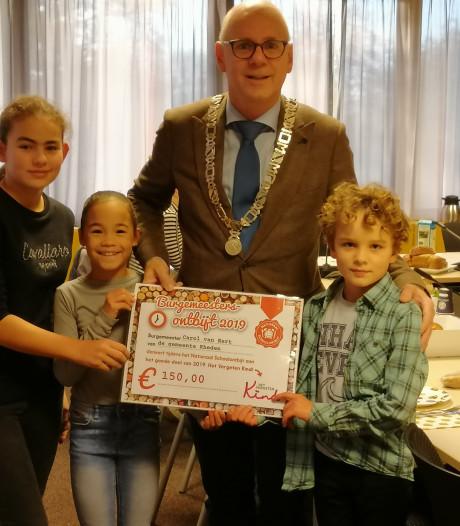 Schoolontbijt voor Rhedense burgemeester Van Eert