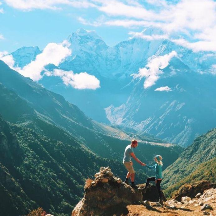 Een van de eerste foto's op hun Instagramaccount: hun expeditie naar de Mount Everest.