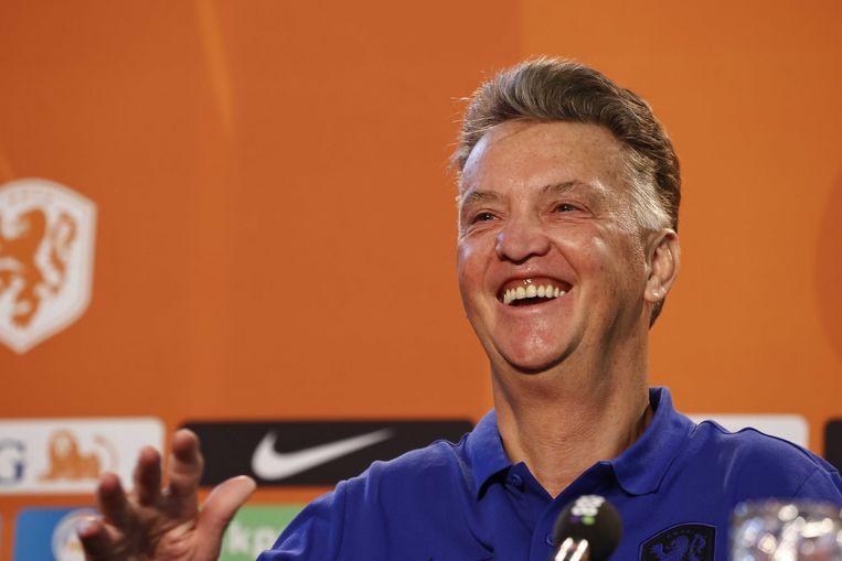 Louis van Gaal  tijdens zijn persconferentie in Zeist, voorafgaand aan de WK-kwalificatiewedstrijd tegen Montenegro, zaterdag in Eindhoven.  Beeld ANP