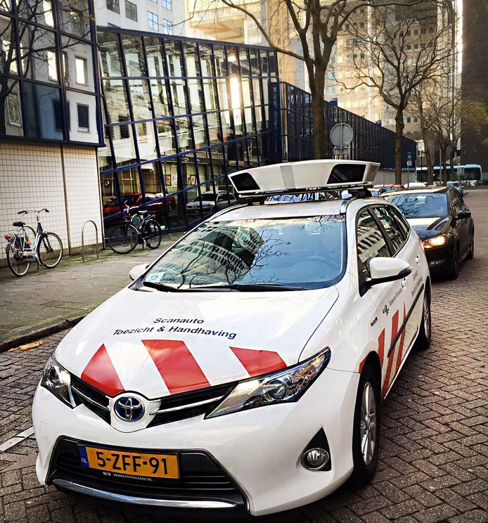 Een scanauto in Rotterdam.