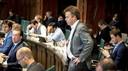 Jos Verveen in 2017 als raadslid voor D66 in het stadhuis tijdens een debat over Feyenoord City.