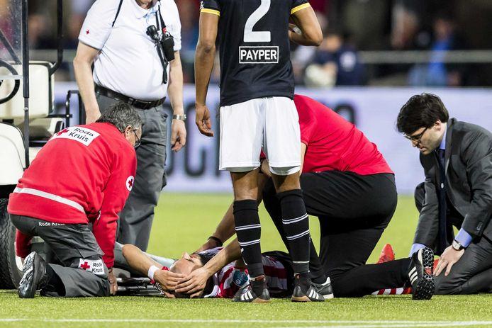 Soufyan Ahannach moet er met een zware blessure van af.