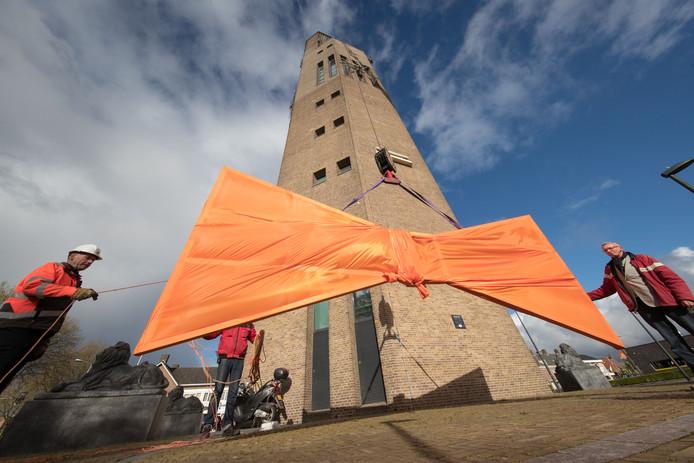 De poldertoren stond tijdens Koningsdag 2017 ook in het middelpunt van de belangstelling.