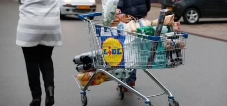 Boodschappendrama nog pijnlijker: 'Bijstandsklanten die naar de voedselbank gaan, worden niét gekort'