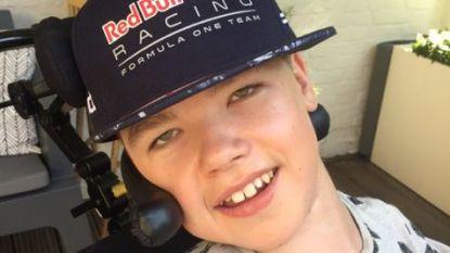 """Verstappen-superfan (14) te ziek om 'Mad Max' te ontmoeten: """"Het is maar 500 meter, maar 500 meter te ver"""""""