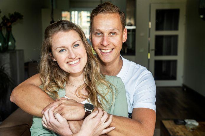 Sjoerd en Jolijn hebben de bruiloft steeds uitgesteld vanwege corona. De uitgestelde bruiloftsreportage werd een loveshoot .