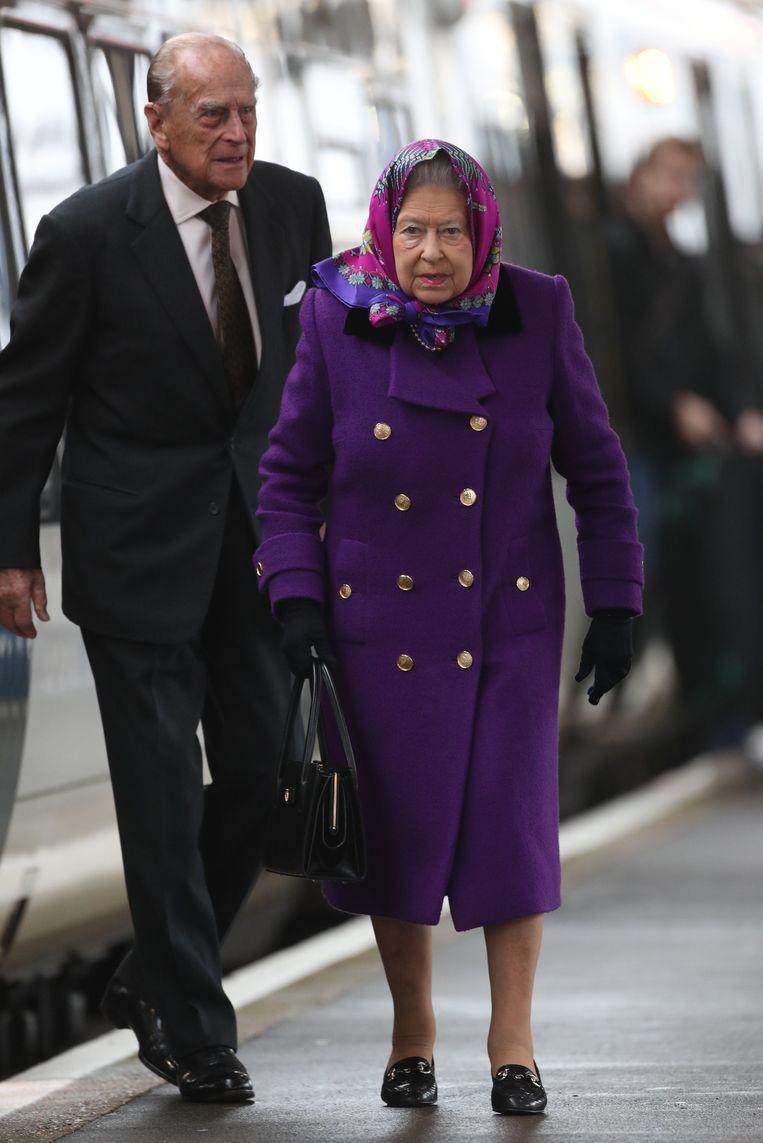 c69b795308dd33 Queen Elizabeth en Philip zijn klaar om op kerstvakantie te vertrekken.