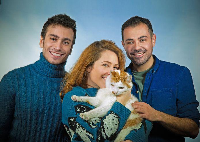 Sanne Vogel en haar nieuwe broertjes Muayad en Amir
