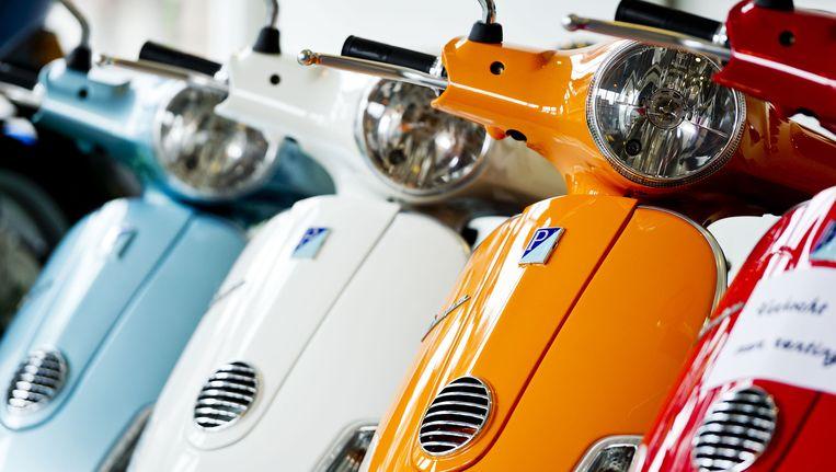 In Nederland zijn ruim een miljoen scooters en brommers. Dat is ongeveer een verdubbeling ten opzichte van tien jaar geleden. Beeld anp