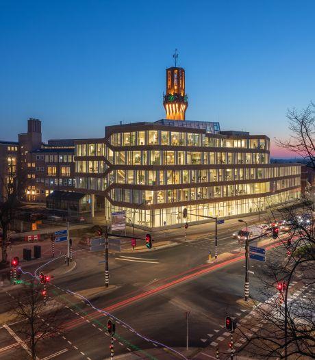 Fotograaf van het blauwe uur: Bart van Hoek brengt architectuur  van Twente in beeld