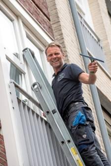 Sjaak van den Hoff is glazenwasser op hoogte: 'niet onder die ladder doorlopen'