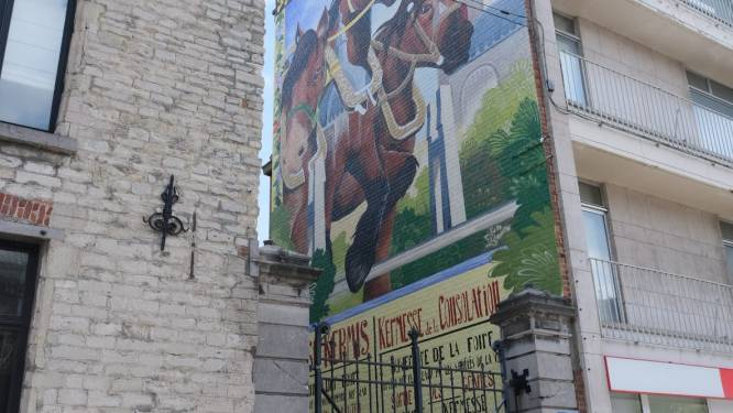 Mural ter ere van jaarmarkt en Troostkermis is klaar