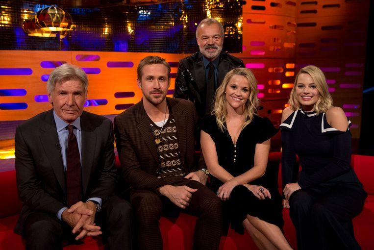 Harrison Ford, Ryan Gosling, Reese Witherspoon en Margot Robbie op de zetel bij Graham Norton.  Beeld Photo News