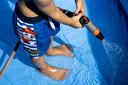 Nu al is de vraag voor de gekende plastic Intex-zwembadjes groter dan de productie.