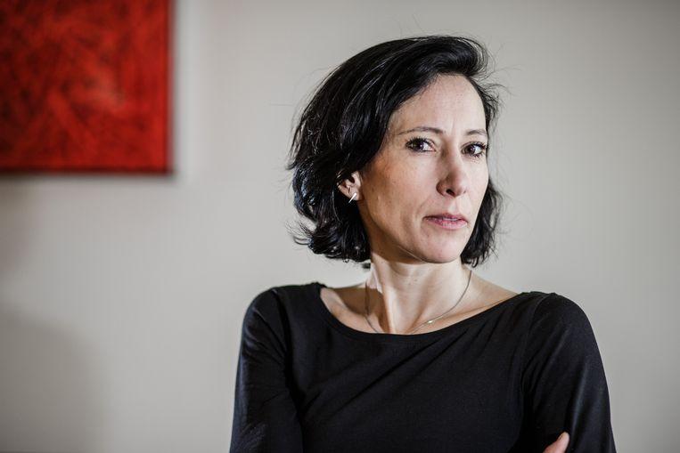 Schrijfster Saskia De Coster. Terwijl Delphine Decompte geen heil ziet in een matriarchaat, vindt Coorevits dat er 'honderden valabele redenen voor een inhaalbeweging' van vrouwen zijn. Beeld Bob Van Mol