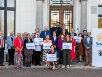 Rotaryclub Izegem steunt sociale doelen met cheque-uitreiking