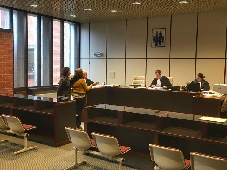 Negen bijzitters moesten donderdagmorgen voor de Brugse rechtbank verschijnen.