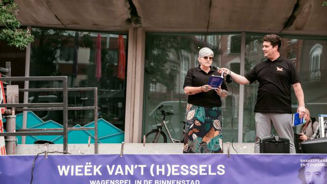 Stad eert dialect met 'Hesselse gedichten' doorheen het centrum