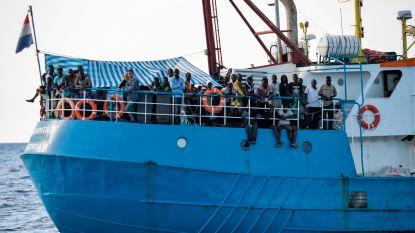Schip met 177 migranten al twee dagen geblokkeerd voor kust van Lampedusa
