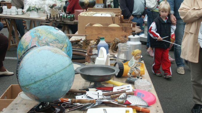 Illustratiebeeld rommelmarkt.