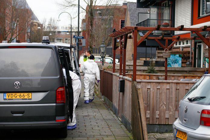 Zondagmiddag is het lichaam van een dode vrouw aangetroffen in de Vrankenstraat.