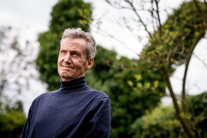 Gymleraar Harry Hemmelder van Het Erasmus kampt met de ziekte ALS, maar hij wil zoveel mogelijk positiefs uit het leven halen met zijn gezin.