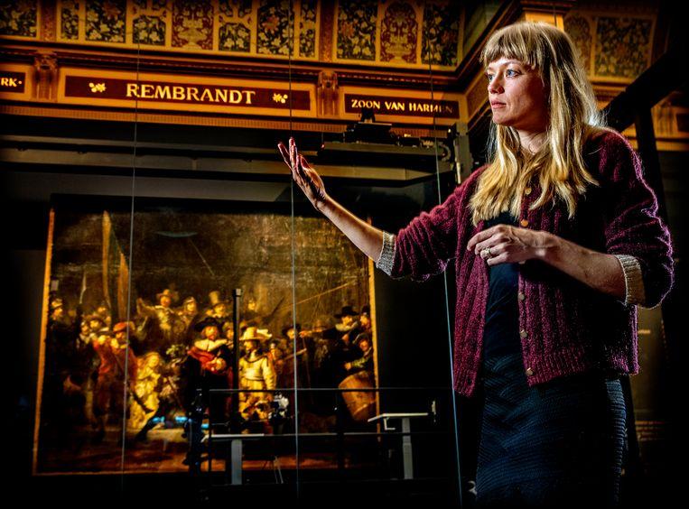 Lisa Wiersma begint aan een megaproject: ze gaat De Nachtwacht op ware grootte naschilderen.  Beeld Pim Ras Fotografie