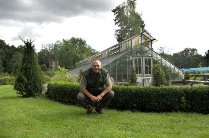 De ruim 25 meter lange glazen kas het Crystel Palace. Deze heeft een sierlijke ' tulbandvorm'. foto Bram van de Biezen