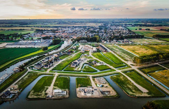De Torensteepolder in Numansdorp vanuit de lucht.