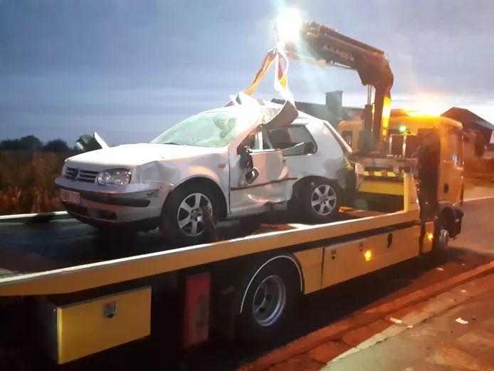 Le passager d'une voiture a été grièvement blessé à Hautem-Saint-Liévin (Flandre orientale)