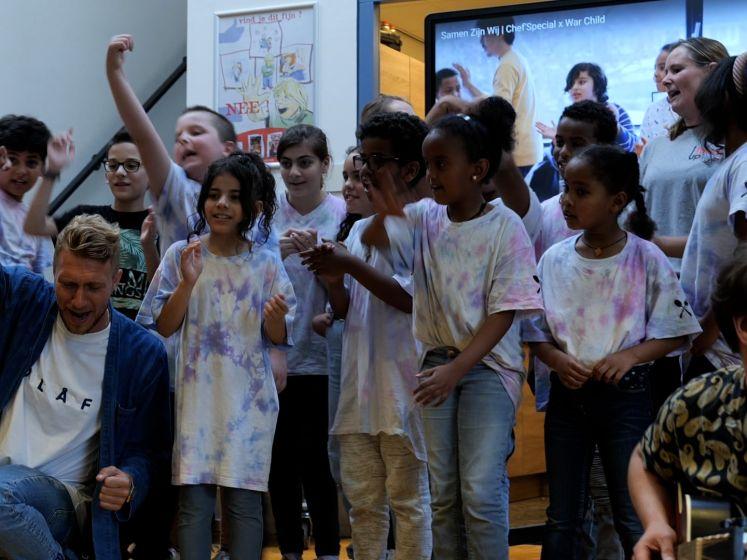 Chef'Special schrijft liedje samen met Tilburgse kinderen: 'De boodschap is simpel: samen kunnen we alles zijn'