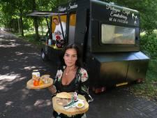 Maria verrast Delft met 'broodje bifana'